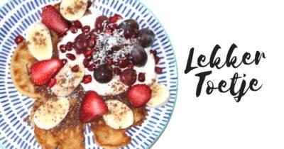 Lekker Toetje | pannenkoekjes met aardbei, blauwe bessen en yoghurt