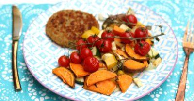 Zoete aardappel ovenschotel met asperge burger | Meatless Monday