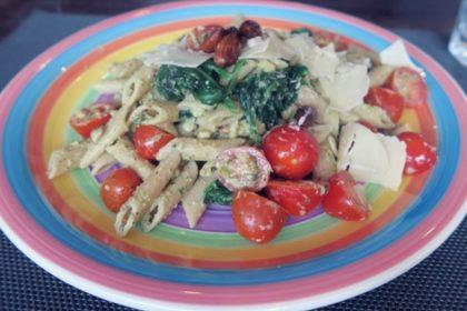 Vegetarische super gezonde pasta met pesto