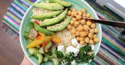 Mijn fav middageten: Zilvervliesrijst, avocado en kikkererwten